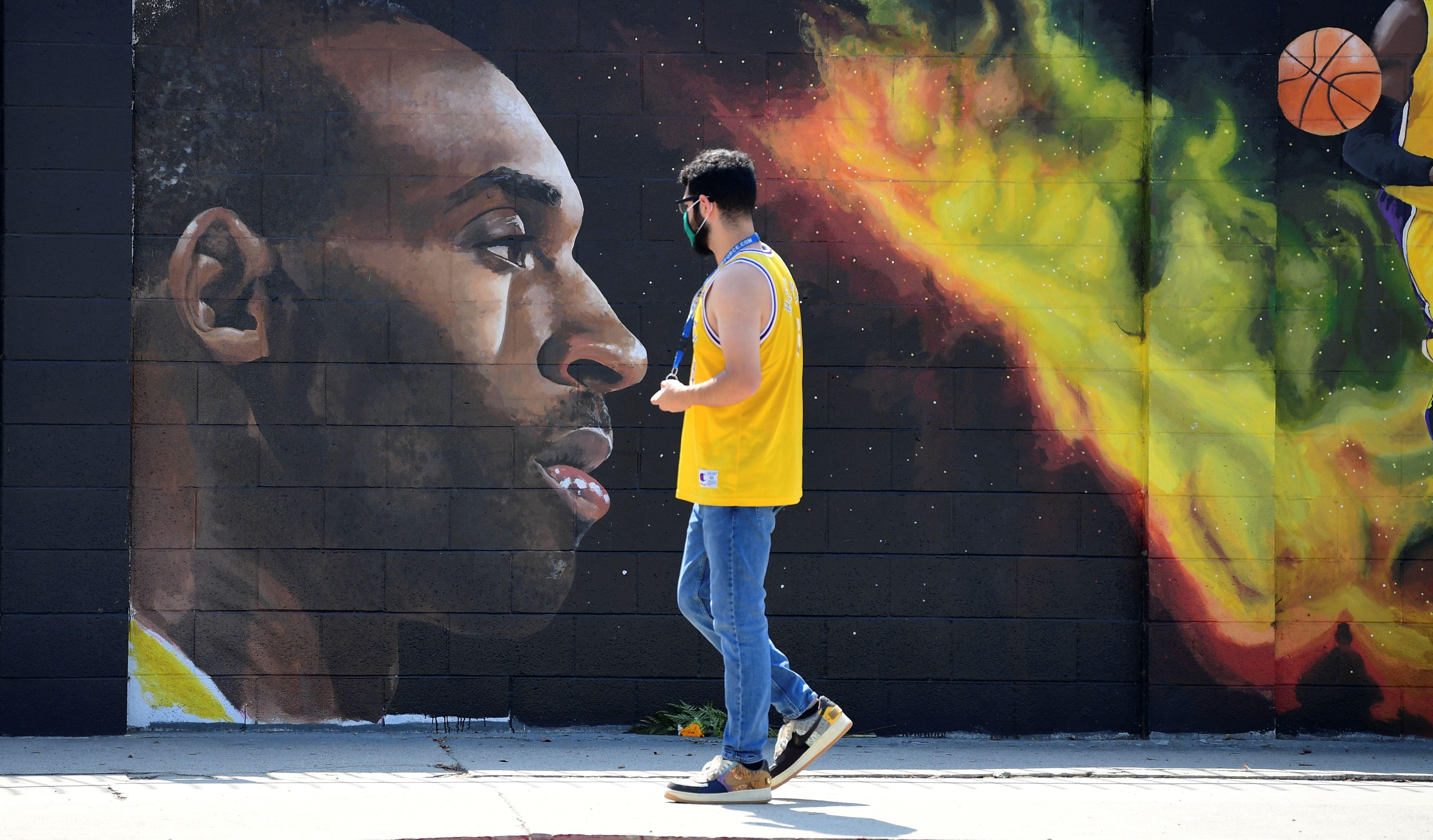 Un fleurissement de fresques murales en hommage à Kobe Bryant