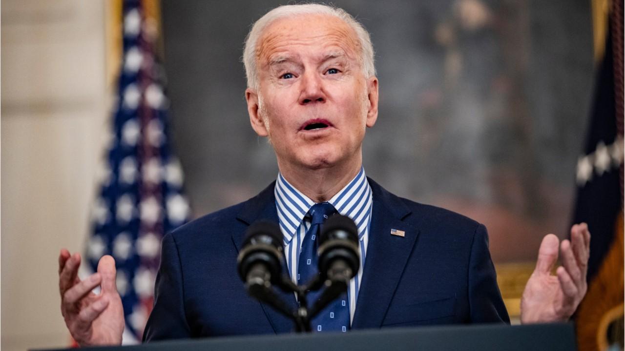 Joe Biden salue l'adoption du plan de relance au Sénat