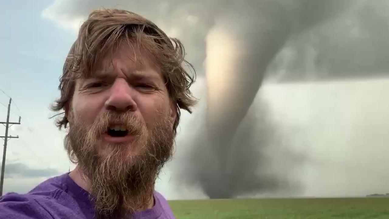 Une tornade tue deux personnes au Manitoba
