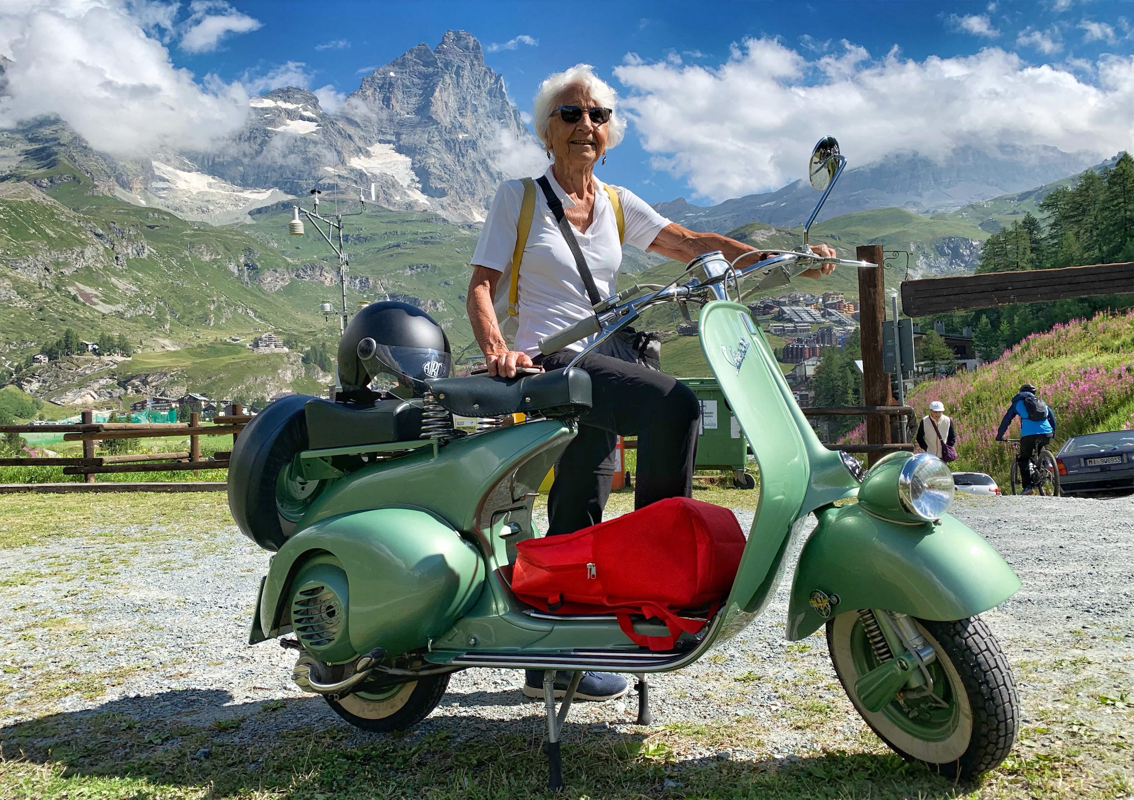 La Vespa, iconique scooter italien d'Audrey Hepburn fête ses 75?printemps